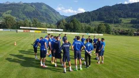 """FOTO/ Lojtarët e KUKËSIT """"ngrijnë"""" në Slloveni, stërvitje e veçantë te verilindorët"""