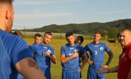 Luftëtari në Slloveni, gjirokastritët firmosin me ish-mesfushorin e Kukësit