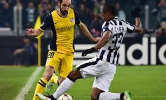 Mbrojtja e Juventusit në pikëpyetje, kampionët e Italisë në bisedime në Athletico Madridin