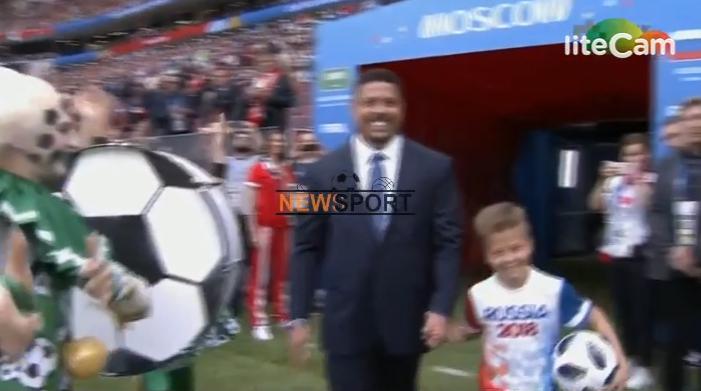 """ELEKTRIZUESE/ Rusia befason me ceremoninë e hapjes së Botërorit, spektakël nga këngëtari i fashmëm dhe Ronaldo """"fenomeni"""""""