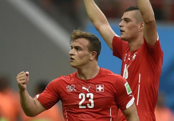 Zvicra mbron shqiptarët, injoron Rusinë dhe Serbinë