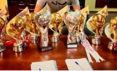 FOTO/ Skënderbeu në ditë të vështira, zyrtari i korçarëve krenohet: 10 trofe në 8 vite