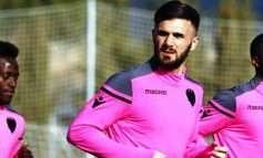 Trajneri nuk e ka në plane, Armando Sadiku befason me veprimin e tij