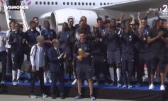 LAJMI I FUNDIT/ Kampionët e Botës mbërrijnë në atdhe, pritje madhështore për kombëtaren franceze
