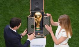"""Franca dhe Kroacia """"zgjatin"""" duart për """"mbretin"""" e botës, KUPA mbërrin në stadium"""