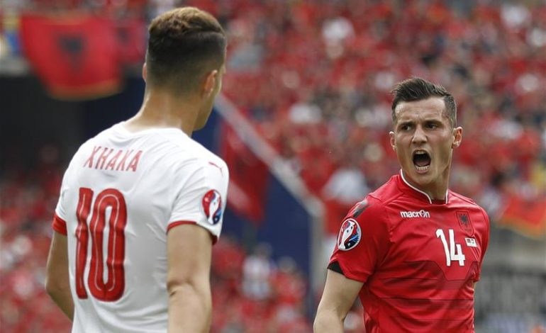 """""""Tronditet"""" kombëtarja shqiptare, Sevilla bën """"prapa-kthehu"""" prej DËMTIMIT të Xhakës"""