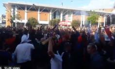 """""""Çmenden"""" tifozët e PSG-së, i vënë """"flakën"""" stadiumit """"Anfield Road"""" (VIDEO)"""