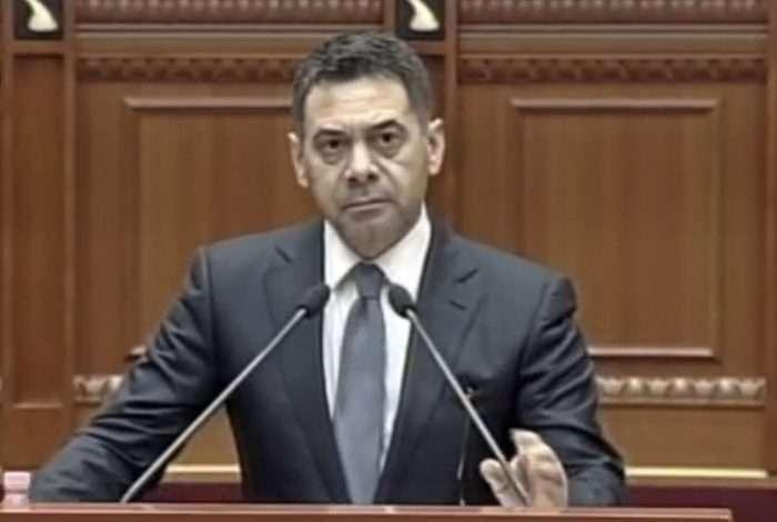 Përplasja BRAÇE-AHMETAJ, ministri mbron arritjet: 1 milionë euro për KOMBËTAREN