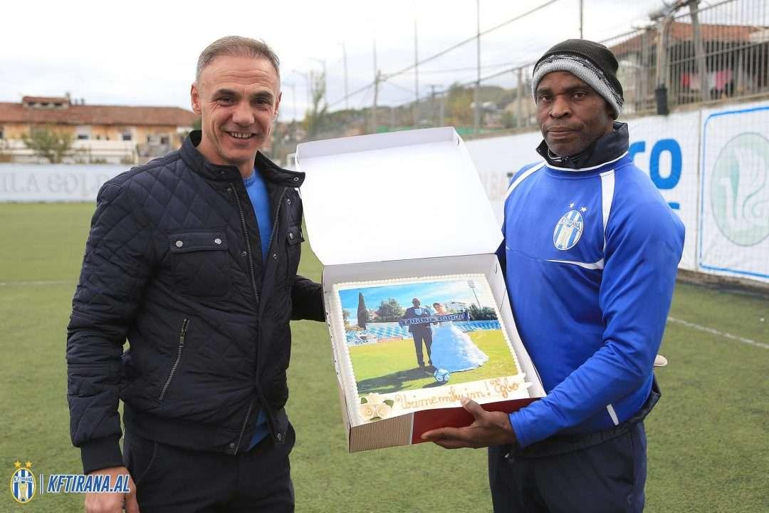 """Trajneri i TIRANËS """"ngre në këmbë"""" tifozët bardheblu: Me Zotin në krah kërkojmë titullin kampion, disa lojtarë nuk më përshtaten"""
