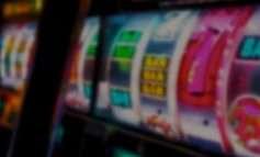 FOTO/ Miratimi i projektligjit të lojrave të fatit, deputeti socialist: Mbyllen të gjitha...