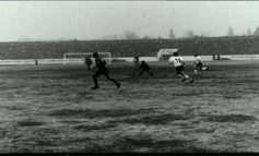 FOTO/ Djali i legjendës kthehet pas në vite, kujton ndeshjen ku Shqipëria ndaloi Gjermaninë