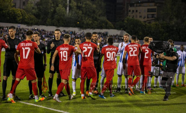 FOTO/ Harrojeni Tirana-Partizani, derbi i kryeqytetit imitohet në Kategorinë e DYTË