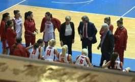 """FOTO/ Kombëtarja e Panuccit luan përballë Skocisë, në të njejtën ditë """"sfidohet"""" nga femrat e basketbollit"""