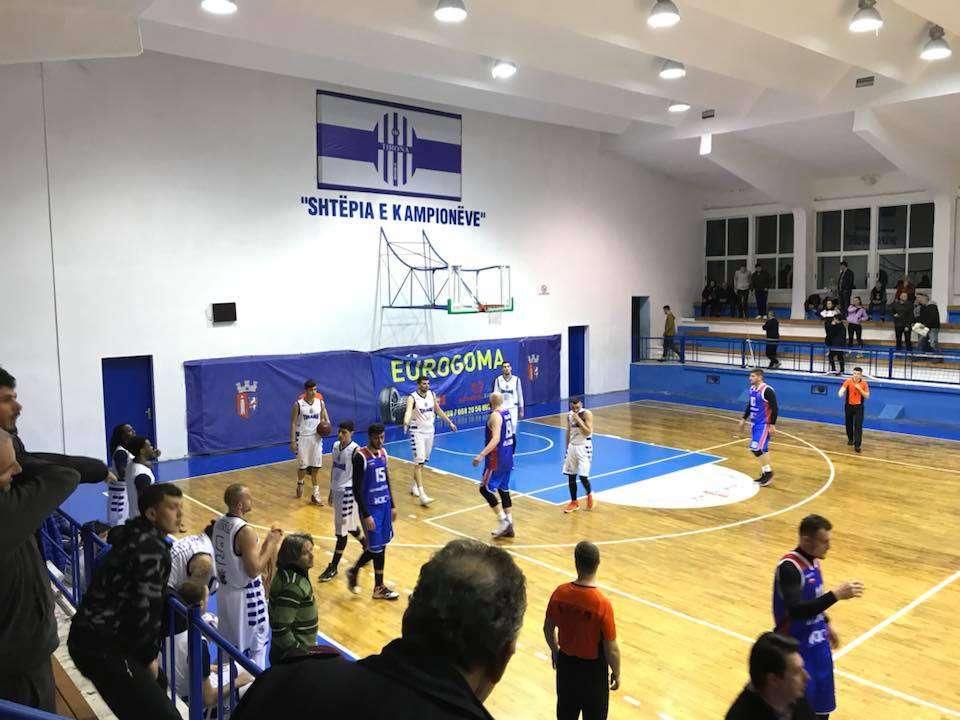 TIRANA  vuan  dhe në basketboll  BARDHEBLUTË  kërcënohen  nga VLLAZNIA