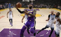LeBron James dhe Davies heronjtë e Lakers, Philadelphia surprizon Toronton